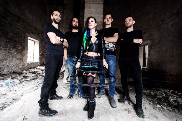 SERENADE: disponibile il nuovo video del brano ''Hold Me Back''