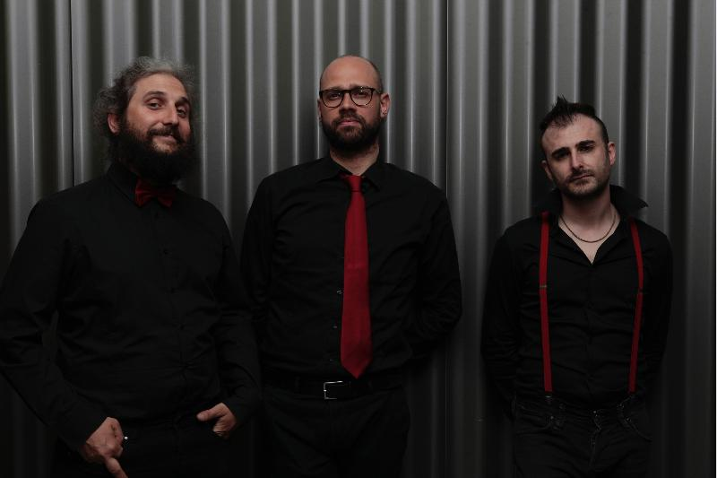 "SOMMOSSA: il debut album ""Autentica"" per Overdub Recordings"