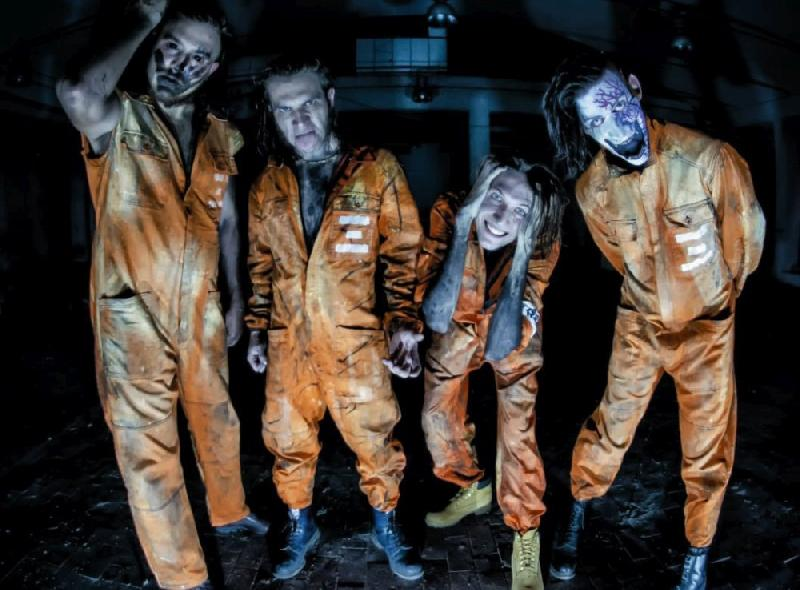 GESCHLECHT: la industrial/death metal band italiana firma per Time To Kill Records