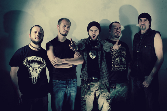 "THE RED COIL: pronto il videoclip di ""Fucking Numb"""